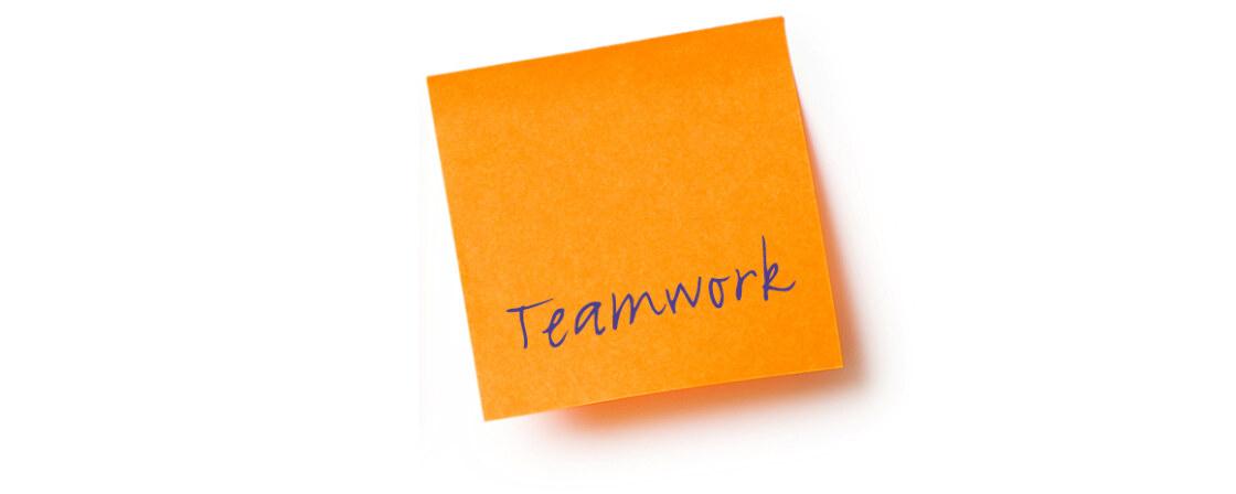 -oranje_postit_teamwork