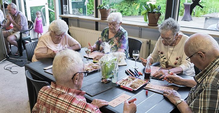 Een middagje bingo is niet altijd genoeg