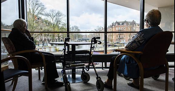 Kafkaëske strijd om 15 m2 in een verpleeghuis